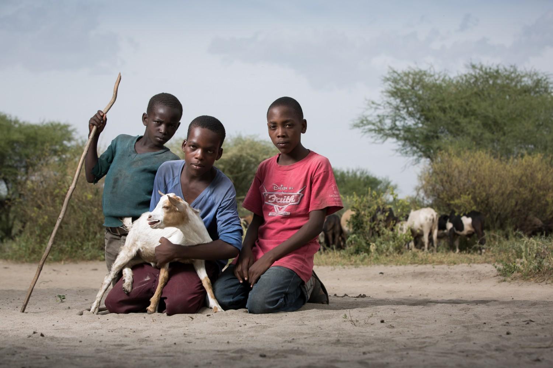 tanzania_maasai-boys (3)